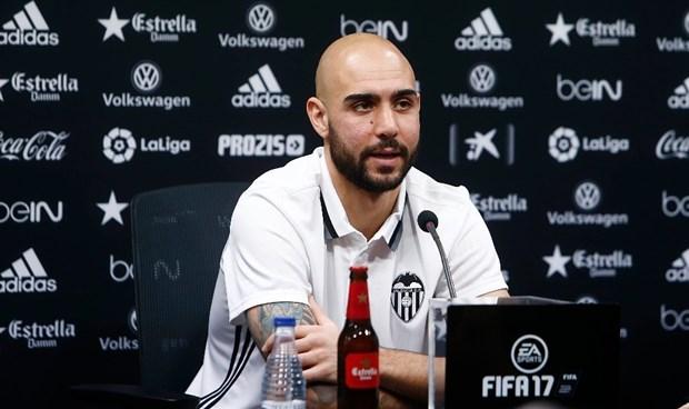'Hàng dạt trôi' của Juventus chính thức ra mắt Valencia