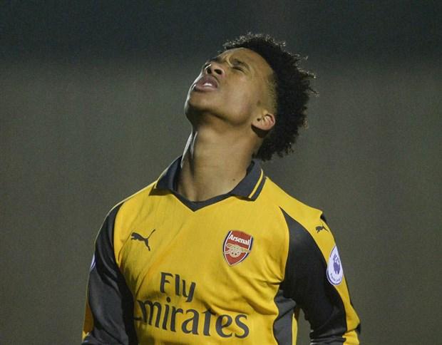 Tân binh vô danh ra mắt đội trẻ của Arsenal - Bóng Đá