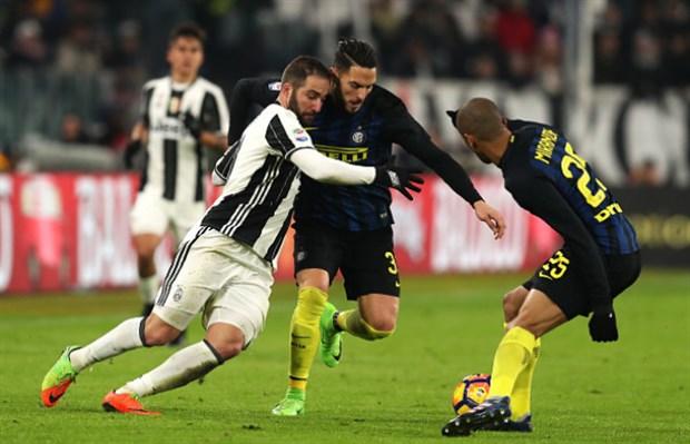 Chùm ảnh: Cuadrado nã 'Rocket', Juventus vượt ải Inter