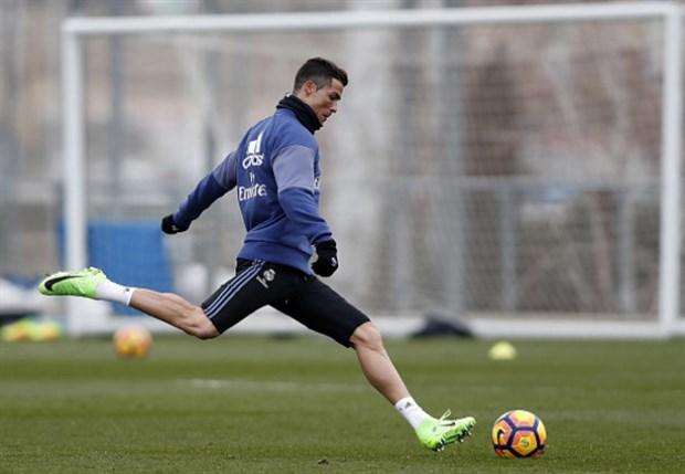 Ronaldo tập riêng, Bale chạy điên cuồng trên sân