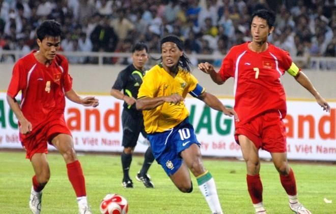 Ronaldinho chuẩn bị ghé thăm Việt Nam - Bóng Đá