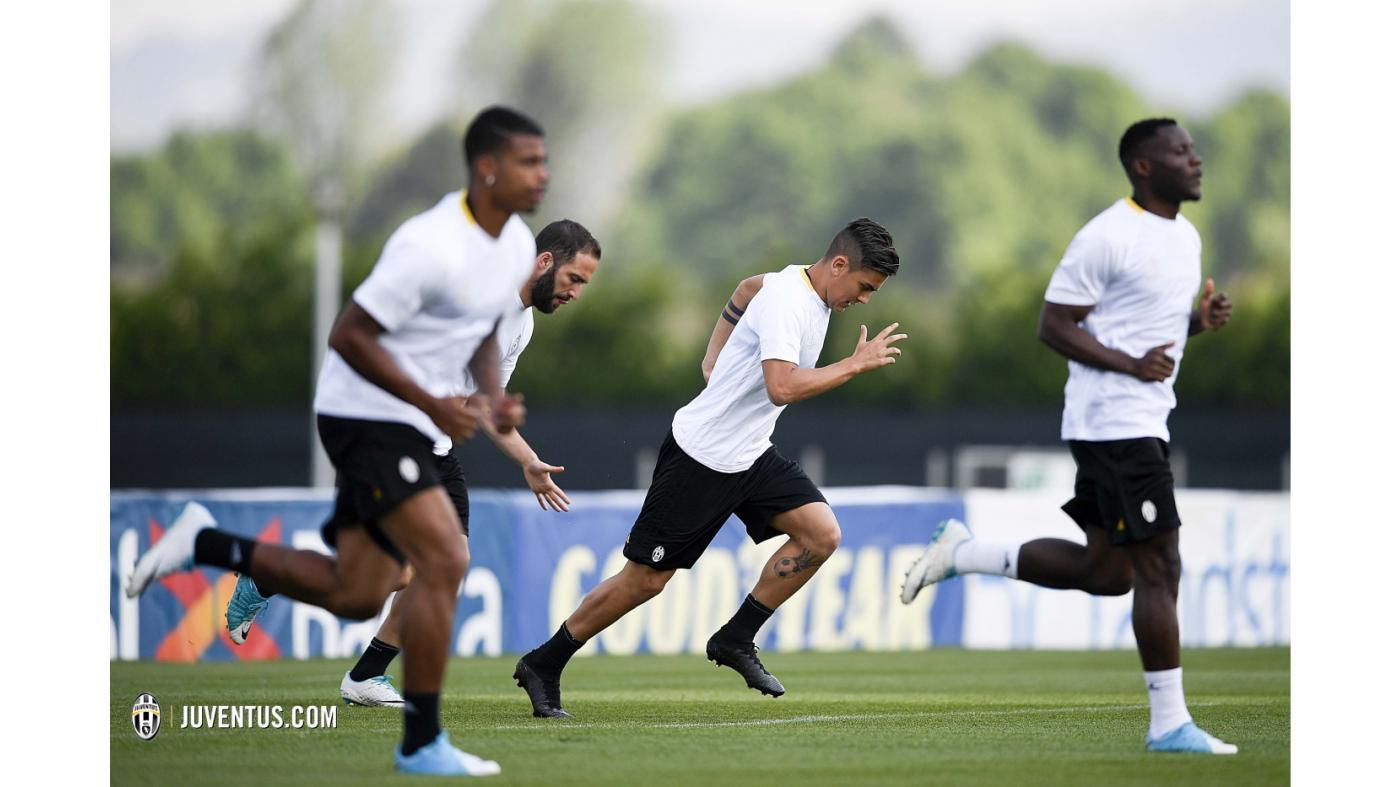 Juventus nhận cú hích, Dybala đã trở lại tập luyện - Bóng Đá