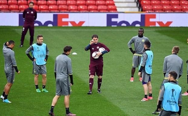 Dàn sao Anderlecht thay nhau 'phá nát' công viên trung tâm tp Manchester - Bóng Đá