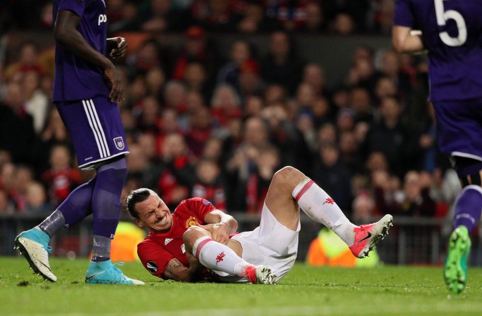 Mời cả ban huấn luyện đi ăn, Ibra tuyên bố rời Man Utd? - Bóng Đá