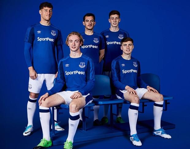 Những mẫu áo đấu tại Ngoại hạng Anh mùa giải 2017/18 (P1) - Bóng Đá