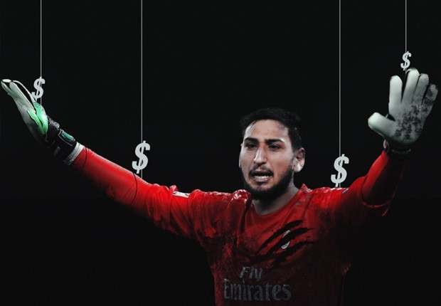 Chùm ảnh: Toàn cảnh Donnarumma 'ngộp' trong biển tiền từ fan Milan - Bóng Đá