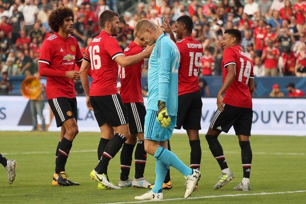Man Utd ra quân, Rashford làm lu mờ Lukaku - Bóng Đá