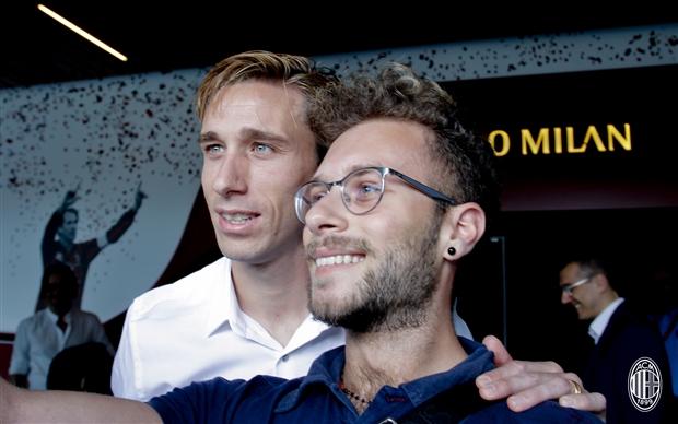 Đội trưởng của Lazio âm thầm đến Milan kiểm tra y tế - Bóng Đá