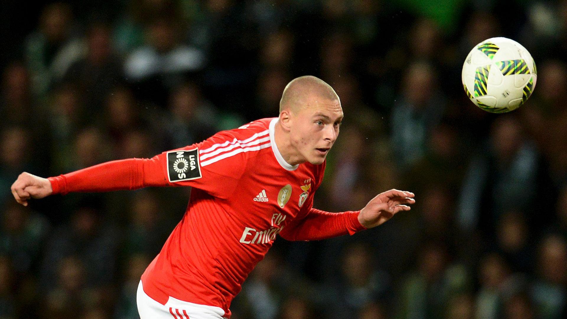 Lindelof tới Man Utd, đội bóng cũ thoát cảnh phá sản - Bóng Đá