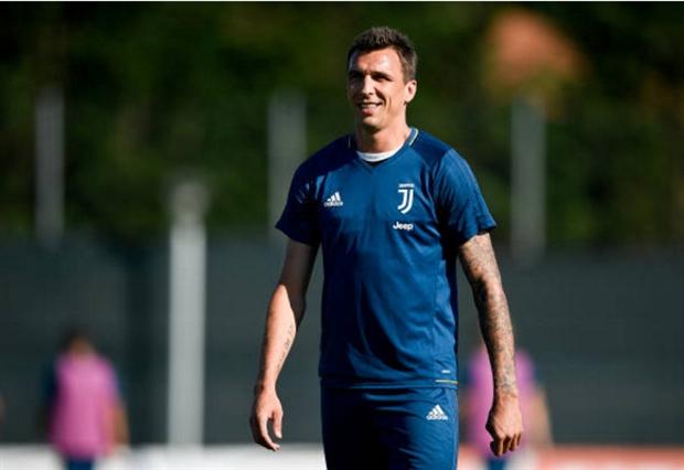 Dàn sao Juventus lộ bụng béo tại Vinovo - Bóng Đá