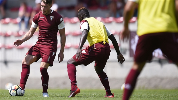 Giữa bão tin đồn, Belotti lại xuất hiện tươi rói trên sân tập của Torino - Bóng Đá