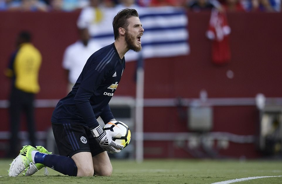 Man Utd thua Barcelona: Rashford lẻ loi, Lukaku lại yếu vía - Bóng Đá