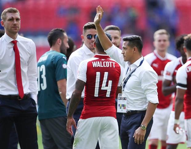 Sanchez vẫy tay chào, Fan Arsenal bắt đầu thấy sợ - Bóng Đá