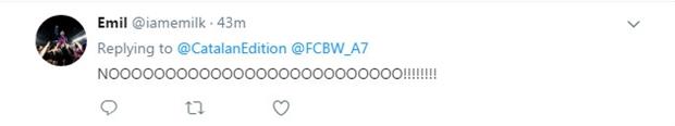 Fan Barcelona khóc thét vì Paulinho đã lên máy bay - Bóng Đá