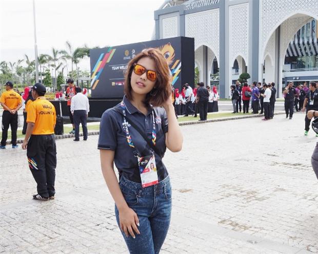 Nữ phóng viên Thái làm 'chao đảo' SEA Games 29 - Bóng Đá