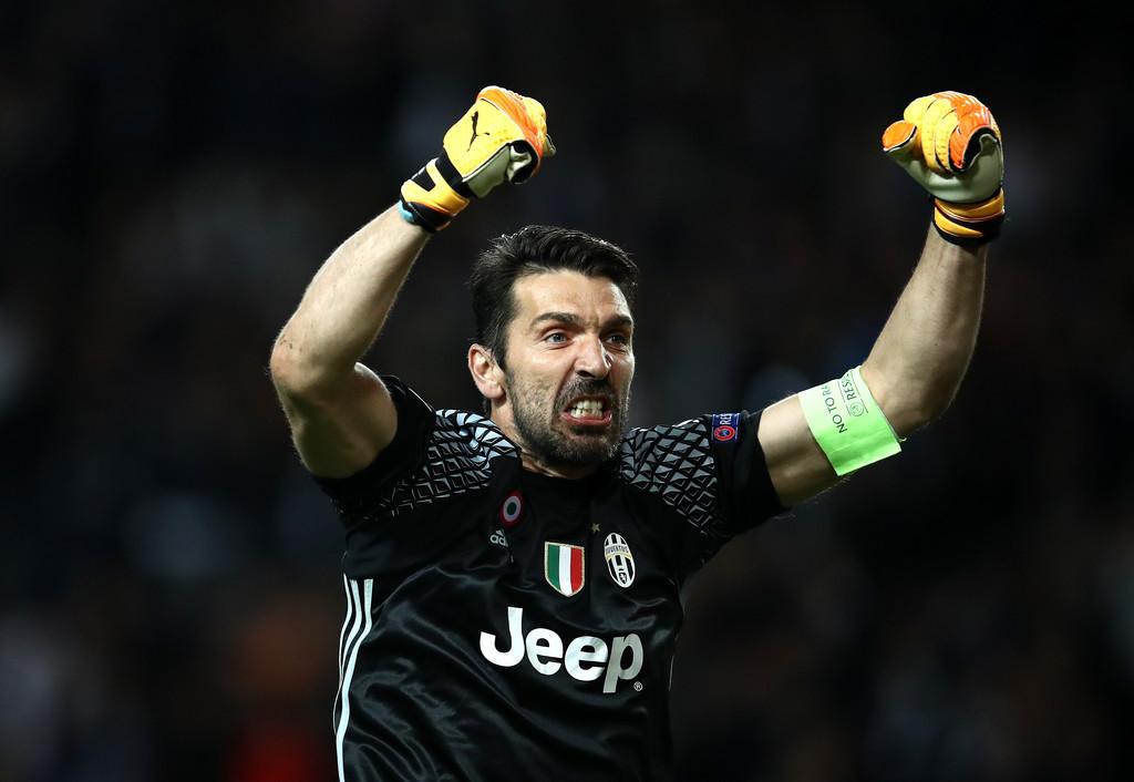 Buffon muốn sang Mỹ thi đấu trước khi làm sếp tại Juventus - Bóng Đá