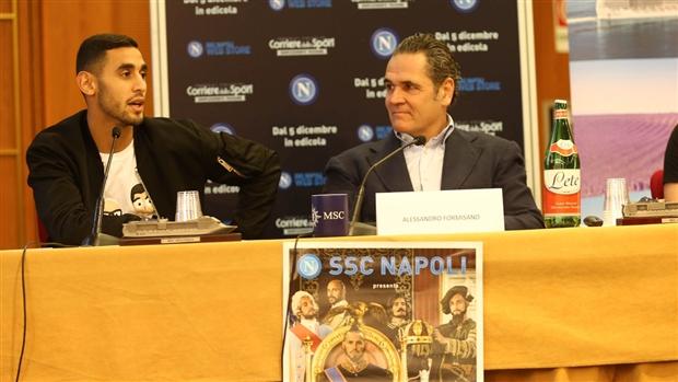 Các thương binh của Napoli tất bật đi quảng bá... lịch  - Bóng Đá