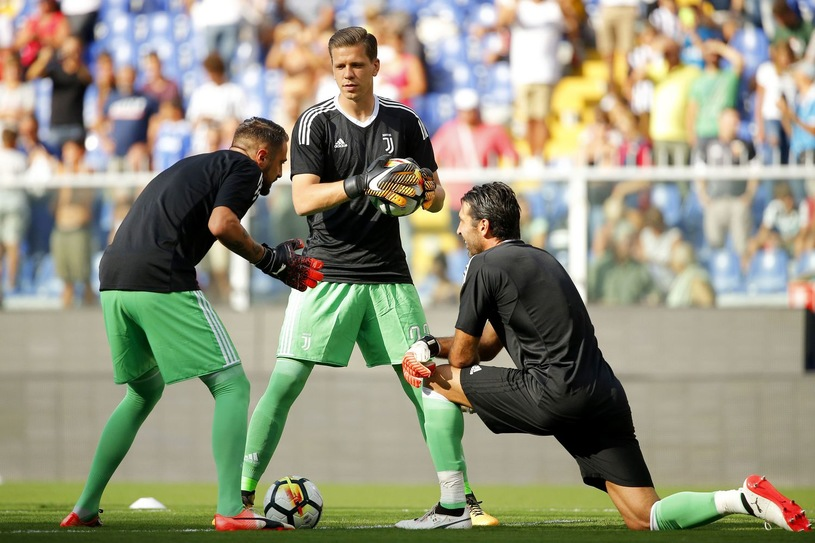 Allegri: 'Người kế vị Buffon không phải Donnarumma' - Bóng Đá