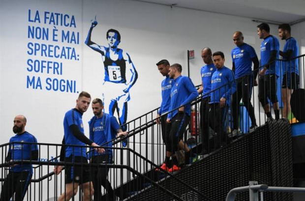 Dàn sao Inter quật nhau tả tơi trong ngày đầu hội quân - Bóng Đá