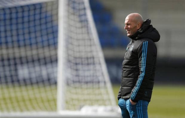 Zidane nhẹ người trước áp lực phải thắng tại Champions League - Bóng Đá