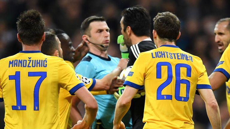 Real thoát hiểm, bán kết Champions League chứng kiến kỳ tích - Bóng Đá