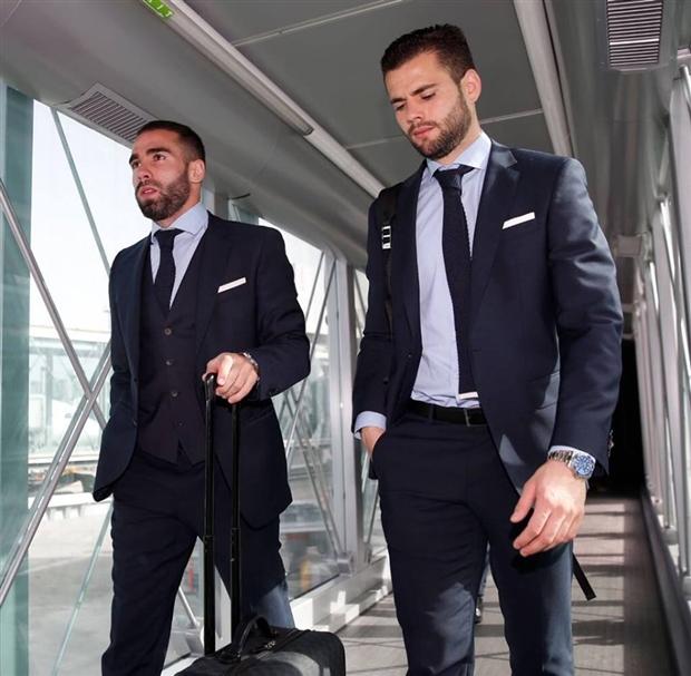 Dàn sao Real bước ra sân bay như bước trên sàn catwalk - Bóng Đá