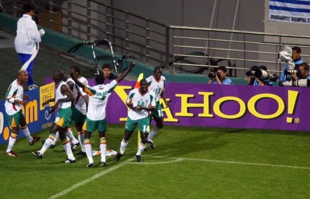 Những màn ăn mừng 'thần thánh' tại World Cup (Phần 2) - Bóng Đá