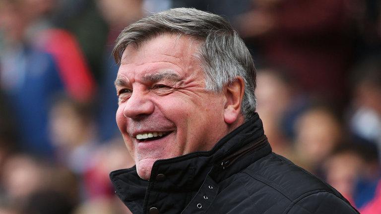 Lối chơi của Arsenal bị gọi là 'ngu ngốc' - Bóng Đá