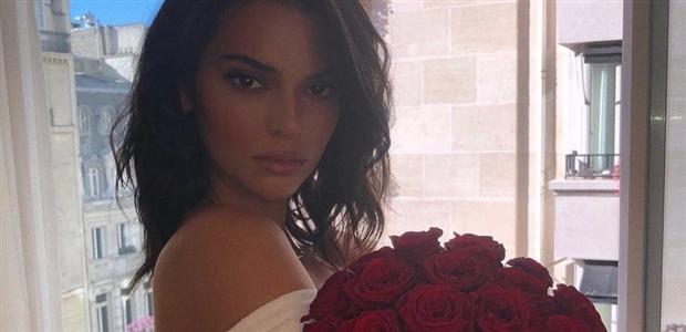 Bạn gái cũ Ronaldo bị lộ hàng loạt ảnh nóng - Bóng Đá