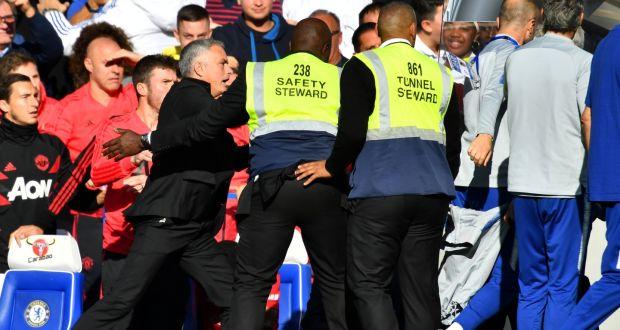 FA cân nhắc phạt Mourinho sau sự cố trận Man Utd - Chelsea - Bóng Đá