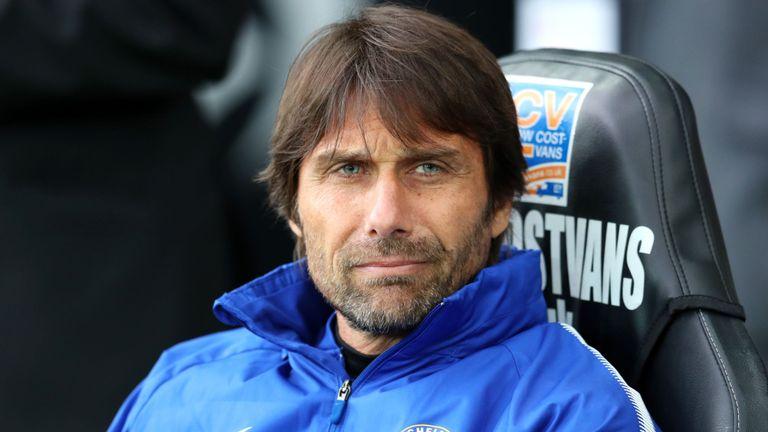 Conte chính thức phản pháo về việc bị Ramos dằn mặt - Bóng Đá