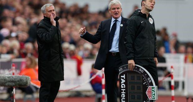 Mourinho xuất hiện cau có sau khi bị fan Man Utd tẩy chay - Bóng Đá