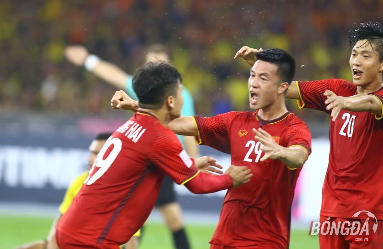 Huy Hùng lập công, tuyển Việt Nam nhẹ nhàng bỏ túi 1 tỷ  - Bóng Đá
