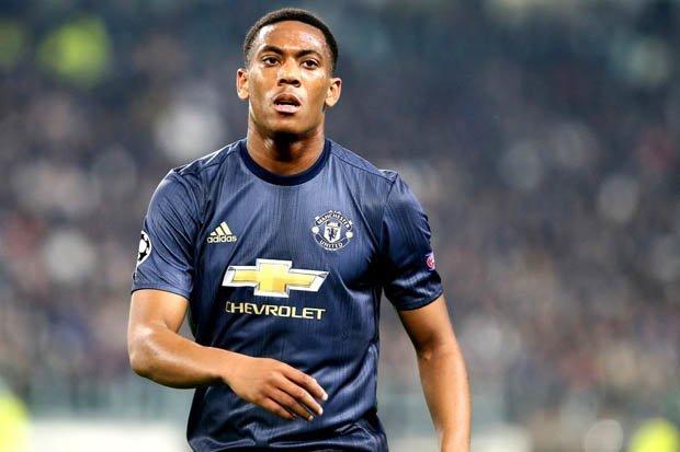 'Học theo Ronaldo, Martial sẽ chạy sang Real' - Bóng Đá