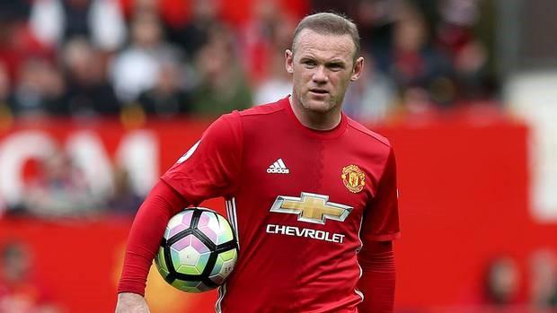 """Ngày này năm xưa: Cú """"xe đạp chổng ngược"""" để đời của Rooney - Bóng Đá"""