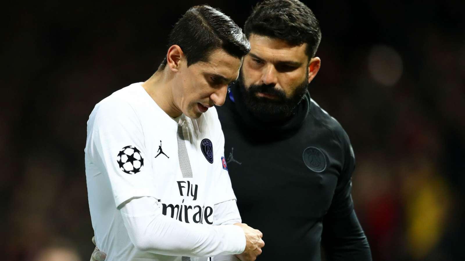UEFA vào cuộc vụ CĐV Man Utd 'ném chai' người cũ - Bóng Đá