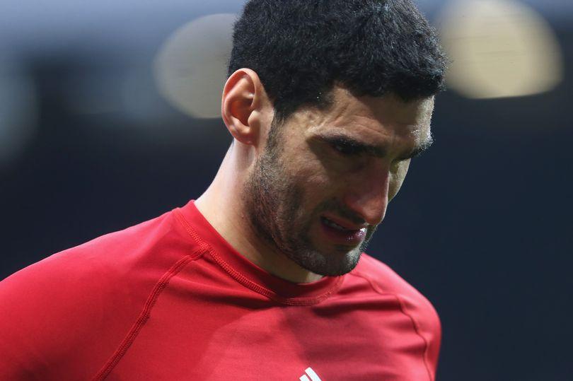 Nếu Mourinho ở lại, Fellaini có ra đi? - Bóng Đá