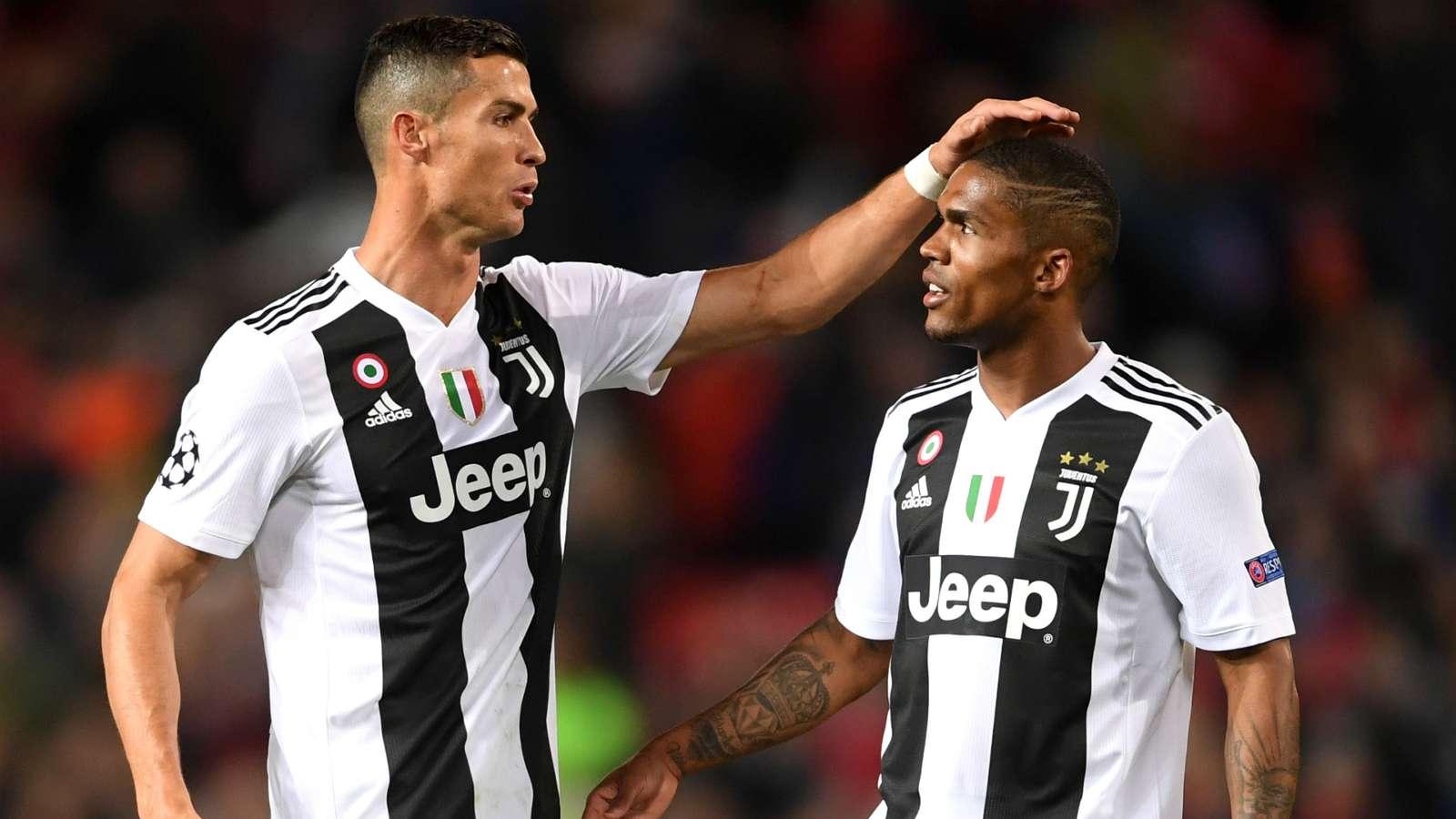 Đồng đội từng lo sợ Ronado sẽ 'phá nát' phòng thay đồ của Juventus - Bóng Đá