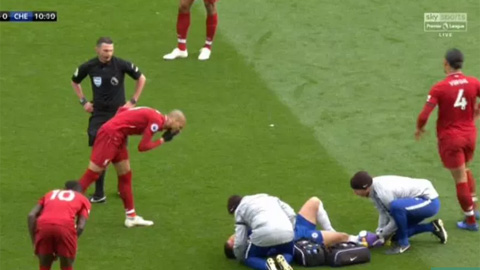 Sao Liverpool gặp họa vì