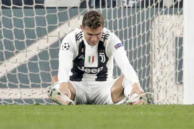 Juventus bị loại, Ronaldo đã nói gì với mẹ? - Bóng Đá