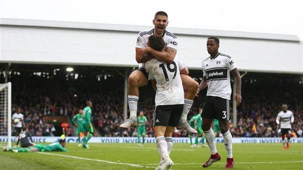 Man Utd 'lười biếng' đến đáng kinh ngạc - Bóng Đá