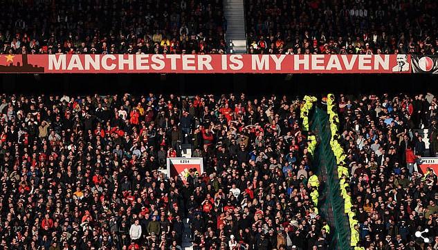 Bất chấp thảm hỏa, Man Utd vẫn bán sạch vé mùa tới - Bóng Đá