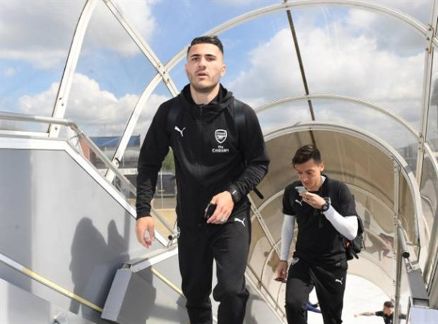 Ảnh Arsenal đến Baku - Bóng Đá