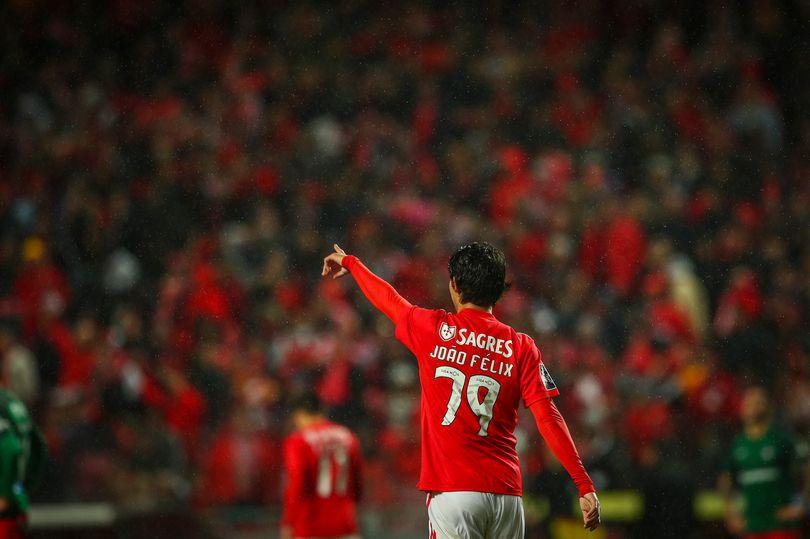 Mục tiêu trăm triệu của Man Utd được khen giống Kaka - Bóng Đá