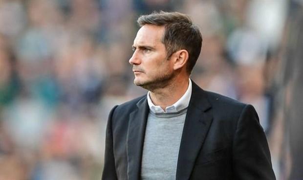 Giữa Lampard và Terry, CĐV Chelsea chọn ai? - Bóng Đá