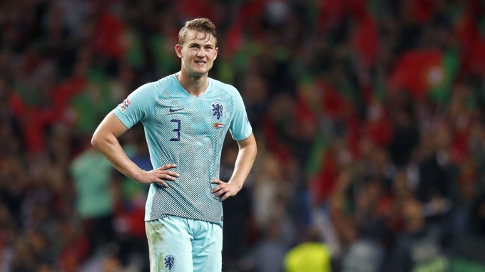 Chiêu mộ De Ligt, Man Utd đang