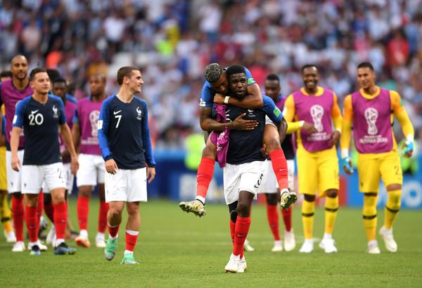 Từ bỏ Maguire, Man Utd sang Pháp tìm