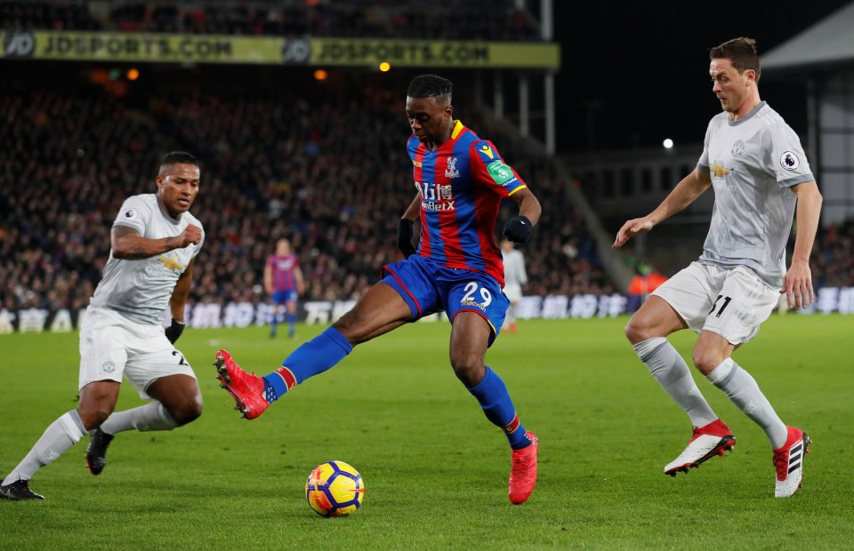 Với Wan-Bissaka - Man Utd không chỉ có 1 hậu vệ biên - Bóng Đá