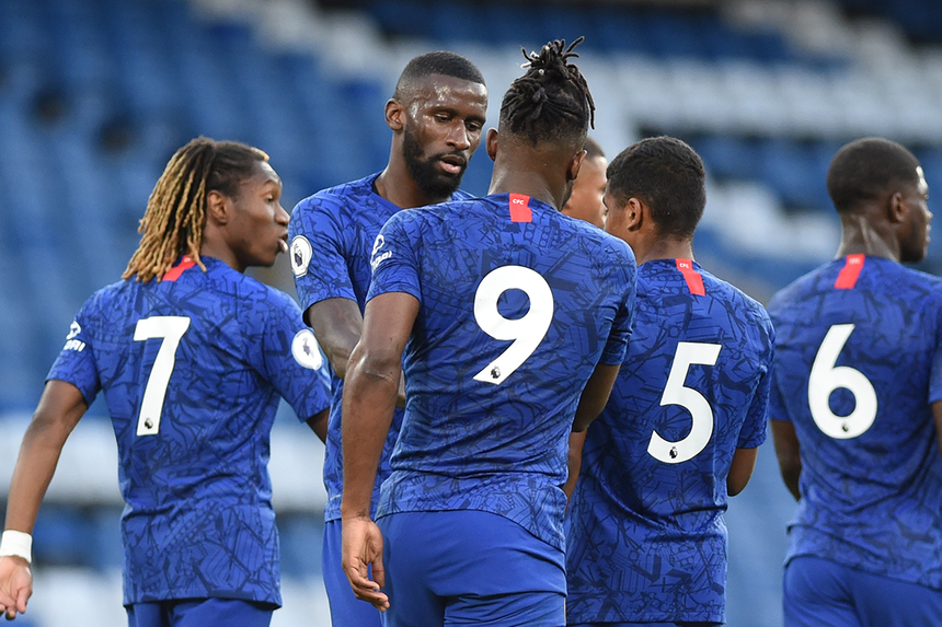 Chưa tìm được chiến thắng, Chelsea mở cửa nhận