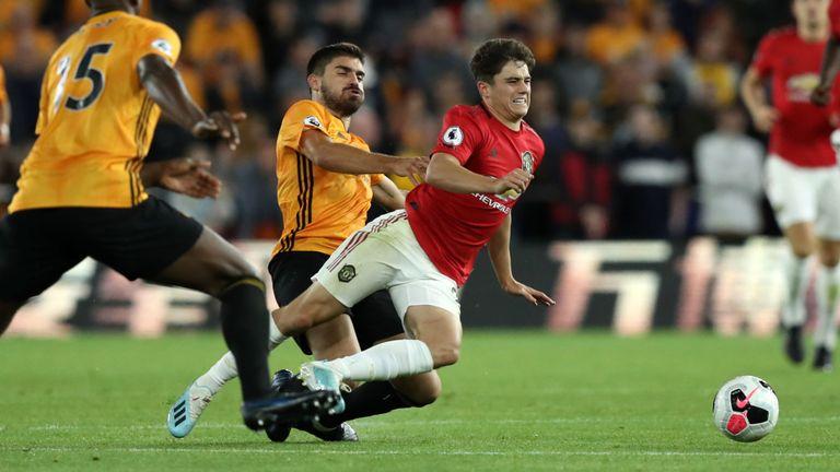 Giggs chỉ ra 1 cầu thủ Man Utd cần được trọng tài bảo vệ - Bóng Đá